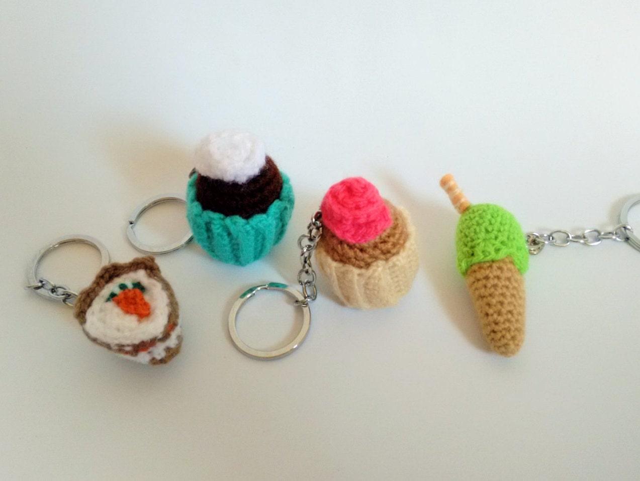 Amigurumi Cupcake Keychain : Amigurumi sweet keychain by Ganchilleandoypunto on Etsy