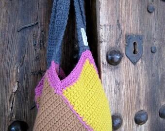 Colors wool handbag made of crochet