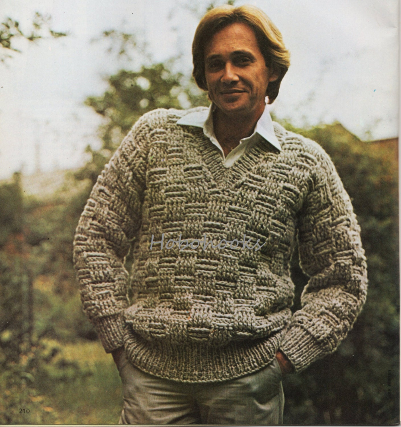 Free Knitting Pattern Mens Chunky Jumper : CROCHET PATTERN mens chunky sweater mens jumper v neck