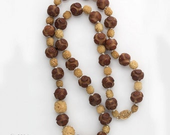 Necklace of antique Japanese lacquer  ojime beads and carved bone rose beads. (nlor814)