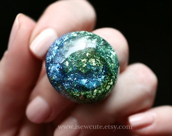 Jewelry, Statement Ring, Land and Sky Resin Swirl Ring, Glitter Dome Ring, Modern Style Metallic Colors - Blue Green Resin Jewelry, isewcute
