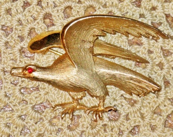 Vintage Pell Gold Tone Eagle Patriotic Brooch Pin (B-4-3)