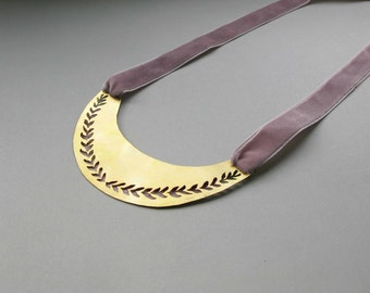 Flower Necklace with velvet