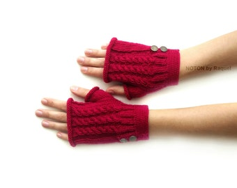 Short Pink Fingerless Knit Gloves