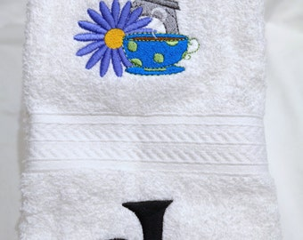Paris Eiffel Tower, Flower and Cafe ! !  Hand towel 100% cotton can be personalized with Name or Monogram