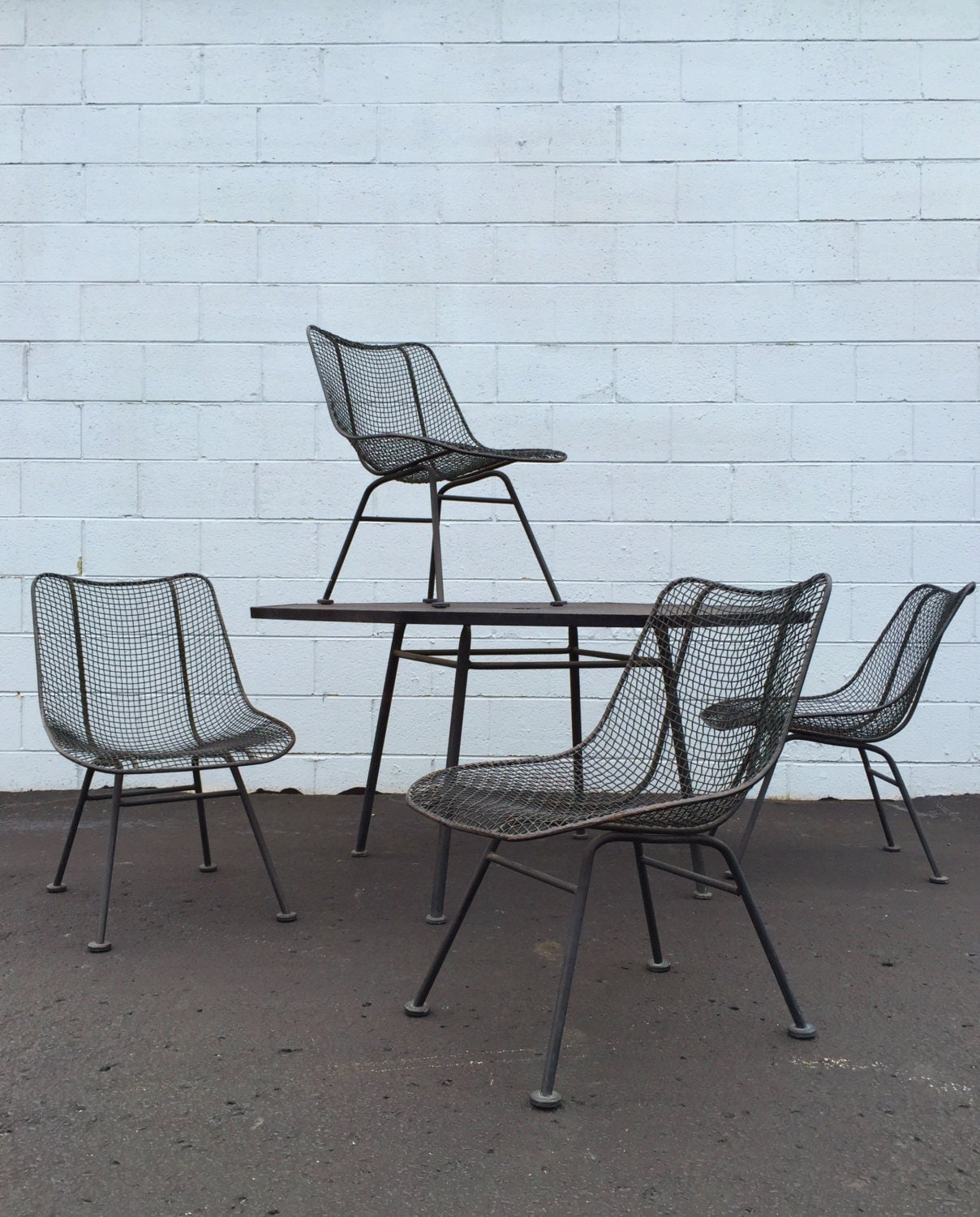 5 piece vintage russell woodard sculptura octoganal table for Mesh patio chairs