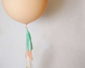 36 inch Peach Blush Balloon with Peach Oasis Garland