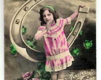 Vintage Postcard GIRL, LUCKY HORSESHOE -Nice old Fashion pink dress - New Year Greetings- 1912 - French colored real Photo- Good condition