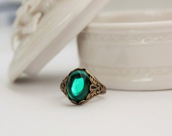 Emerald Teal Ring. Vintage Jewel. Antique Brass or Antique Silver