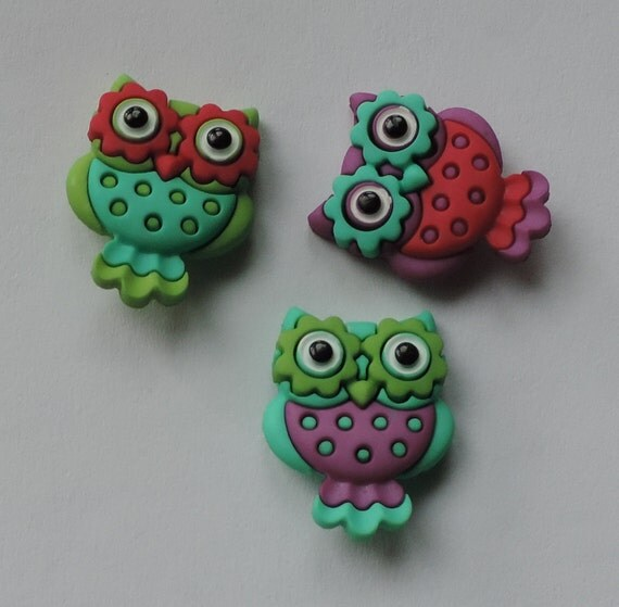 """Owl Buttons, Packaged Novelty Buttons Assortment, """"Retro Owls"""" by Dress It Up"""