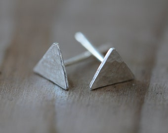 Minimalist hammered textured Triangle, Organic, tiny post / stud earrings for everyday.