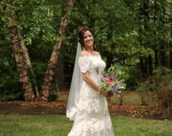 Off the Shoulder French Lace Wedding Dress Stunning Bridal Gown with Sleeves