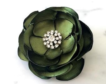 Bridal Hair Comb - Green Satin Hair Flower Clip - Wedding Hair Flower - Emerald Fabric Flower Clip - Bridal Hair Accessory - Garden Wedding