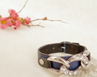 Leather bracelet navy blue and black,  blue leather cuff with chain, cool jewelry