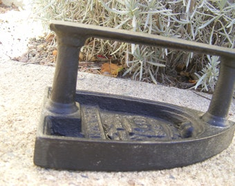 Iron old - The Parisienne N 5 - Smoothing-iron - Memorabilia - Vintage - Collection