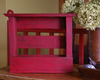 Red Upcycle pallets wood shelf