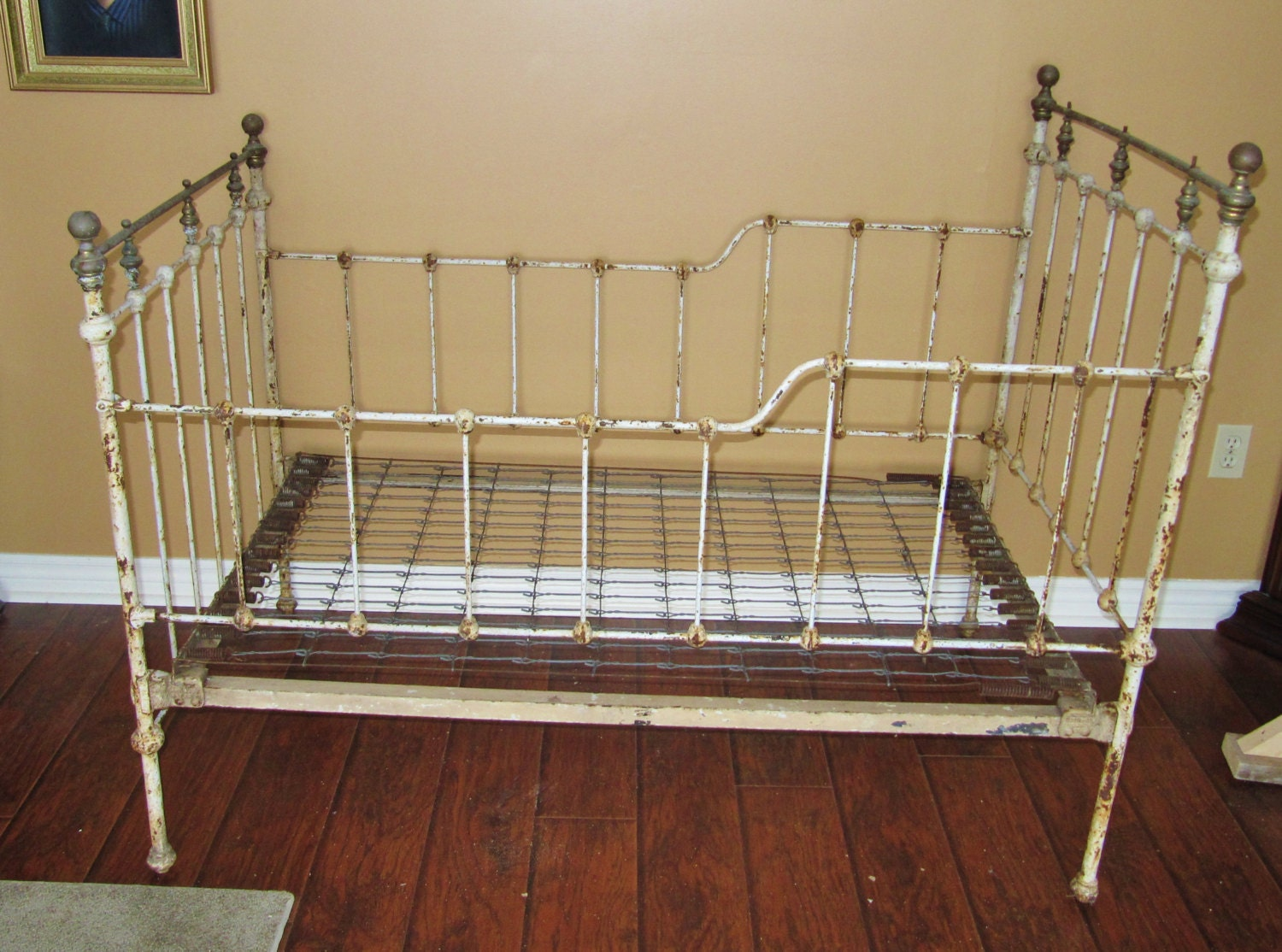 Amish crib for sale - Antique Childs Bed Cast Iron Bed Frame Crib