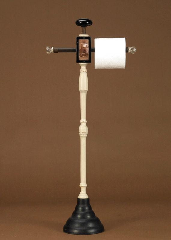 the dilemma functional plunger and toilet paper holder. Black Bedroom Furniture Sets. Home Design Ideas