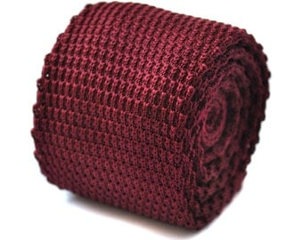 plain maroon knitted pointed end tie by Frederick Thomas FT272a in 8cm standard width