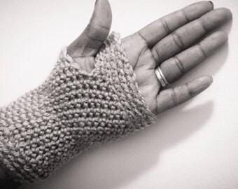 Fingerless Gloves Crochet Pattern-Advanced Beginner