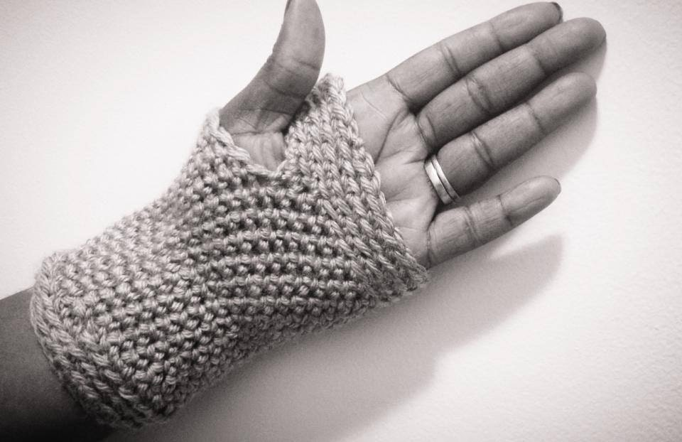 Crochet Fingerless Gloves Pattern Beginner : Fingerless Gloves Crochet Pattern-Advanced Beginner