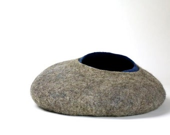 felting-catcave-cats-basket-blue-grey-cat-Kitty-hand made felted-sustainable-cat basket