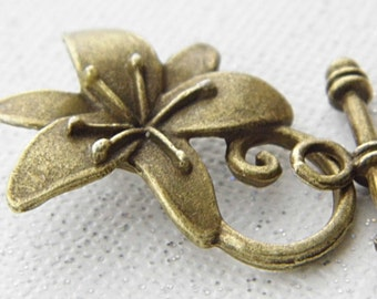 Lilly Toggle Clasp, Jewelry Findings