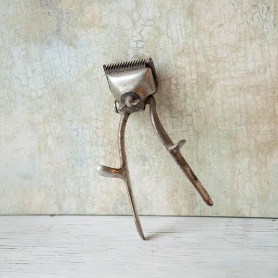 vintage men 39 s beard trimmer metal mechanical vintage hair. Black Bedroom Furniture Sets. Home Design Ideas