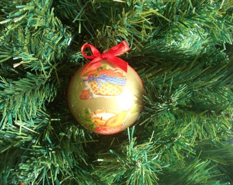 "Decoupage Christmas ball-Christmas bauble ""basket of plenty"""