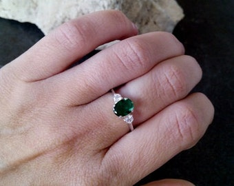 SALE! Oval Emerald Ring, Thin Stackable Ring,Sterling silver ring, Gemstone Ring,Stacking Ring,Green Ring, Bridal Ring