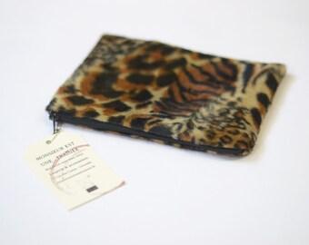 Clutch - leopard faux fur - black and white dots lining - zipper closing