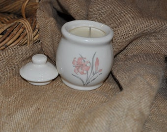 sugar bowl VANILLA, very strong scented candle