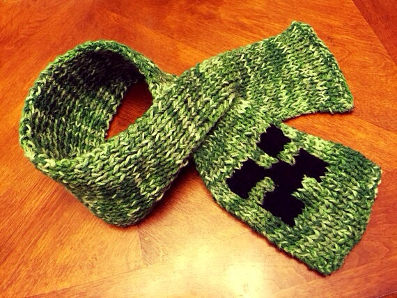 Minecraft Creeper Hand Knitted Scarf, winter scarf, Minecraft scarf, ski scarf