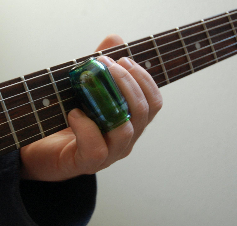 glass guitar slide shorter knuckle style hand blown emerald. Black Bedroom Furniture Sets. Home Design Ideas
