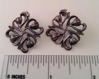 Silver nouveau flower earrings