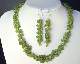 Set of Peridot Chip Beads Chained Dangle NSPE1507