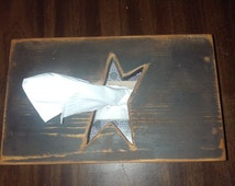 Handmade primitive tissue box cover with star