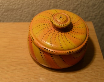 Wooden Pottery Shaped small bowl with lid