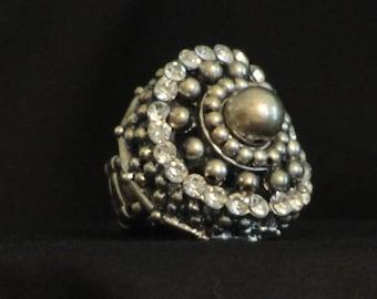 Vintage monster ring. Rhinestones galore! hippie ring, big ring, full finger ring, bling ring, boho ring,gypsy ring,bohemian jewelry,stretch