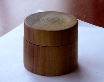 Poplar wood box with fitted lid.