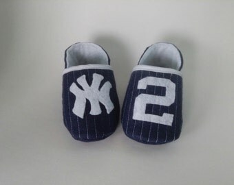 Vintage Style NY Yankee Baby Booties