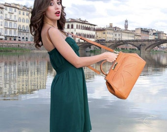 Calimala framed Satchel, Genuine Leather Handbag Made in Italy. A splendid, luxurious satchel for elegant occasions or for everyday use.