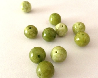 10 light green jade beads, supplies,beads, pastel, 10mm, semiprecious stone