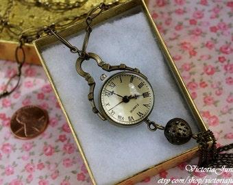 Elegant Tassel Clock Necklace