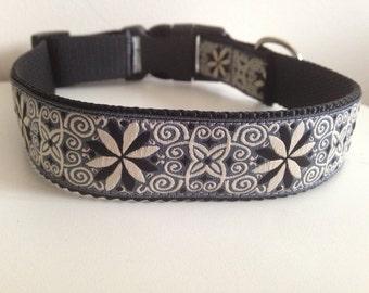 Large 1 inch Gray, Black, White Flowers and Swirls Dog Collar