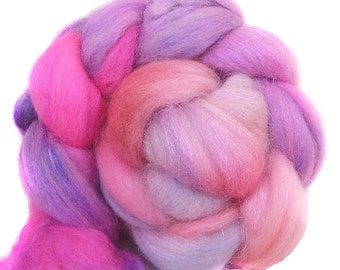 SPARKLY SUPERWASH BFL roving top handdyed wool spinning fiber 3.6 oz