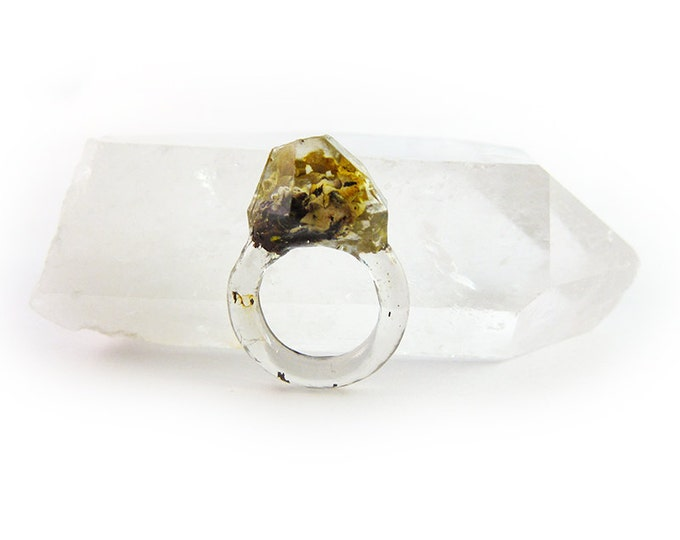Asymmetrical Faceted Terrarium Ring • Size 5