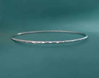 Hammered Bangle in Sterling Silver - Thin Round Hammered Bangle Bracelet