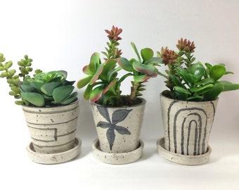 ONE Minimalist Flower  Pot