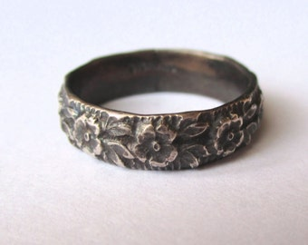 Flower Garden Band - Sterling Silver Oxidized Black Ring